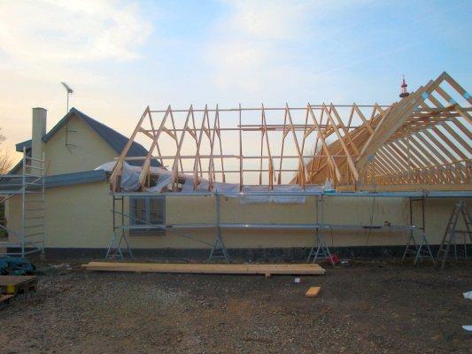 Nyt tag bygges af tømrer i Roskilde